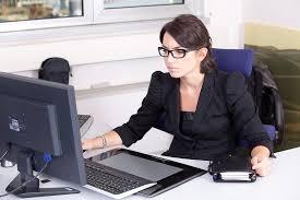 Obtenez un titre professionnel de secrétaire comptable